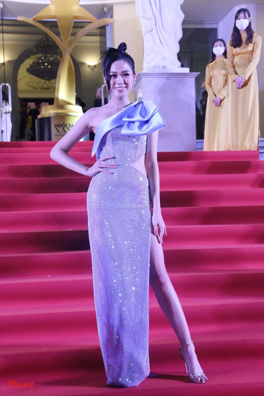 Tối 6/1, lễ trao giải Ngôi sao xanh 2020 diễn ra tại TPHCM, với sự tham gia của nhiều nghệ sĩ, người đẹp.