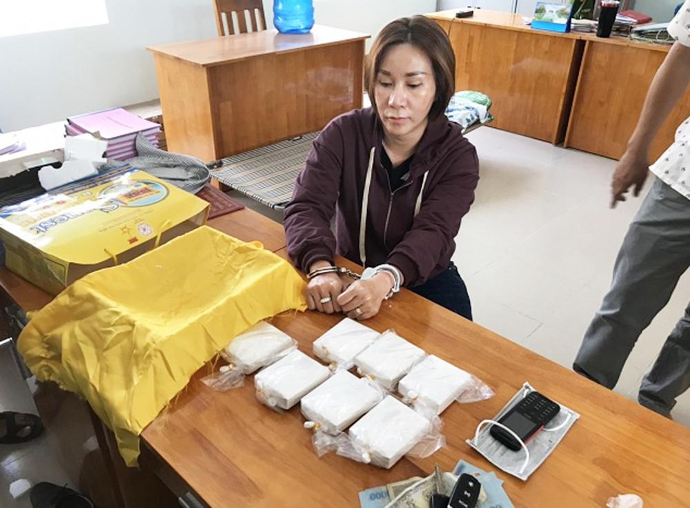 """Một đối tượng chuyên mua bán ma túy ở khu vực """"phố Tây"""" Bùi Viện  bị công an bắt giữ hồi tháng 5/2020"""