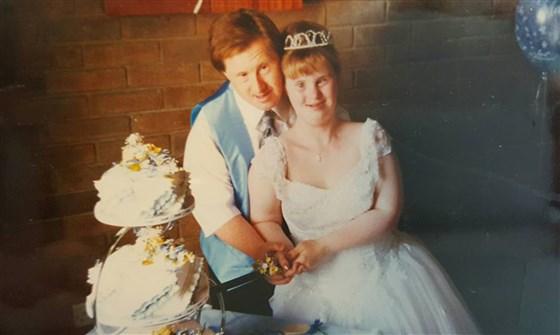 Cách đây 25 năm, việc Tommy và Maryanne Pilling kết hôn là khá hiếm hoi đối với người mắc hội chứng Down. Ảnh: Today