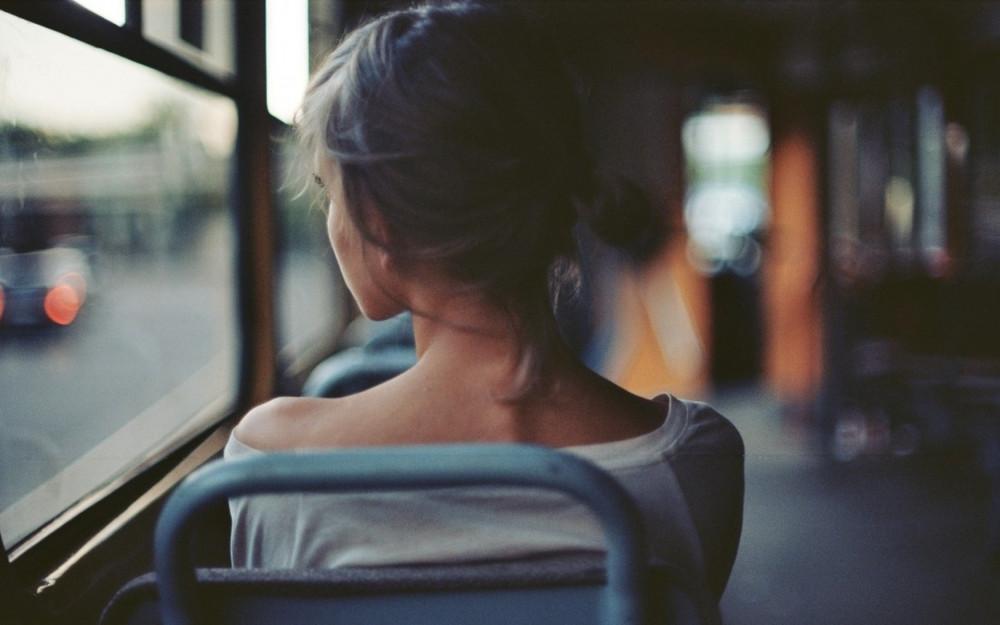 Trên chuyến xe ấy, tôi đã cầu, chỉ mong anh bình an thôi là đủ - Ảnh minh họa