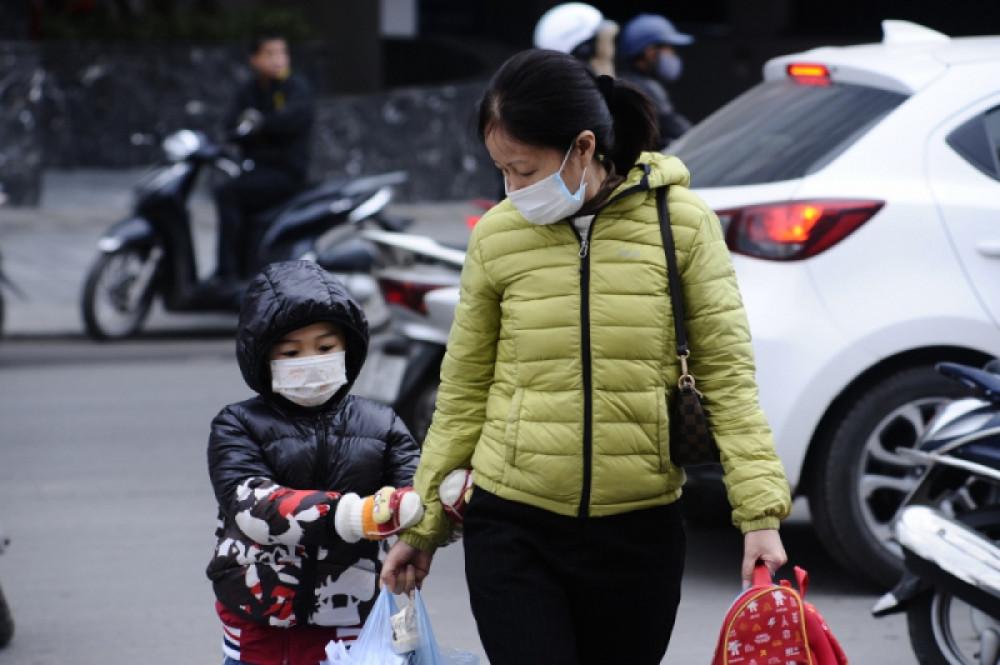 Học sinh Hà Nội được trang bị áo ấm khi đến trường