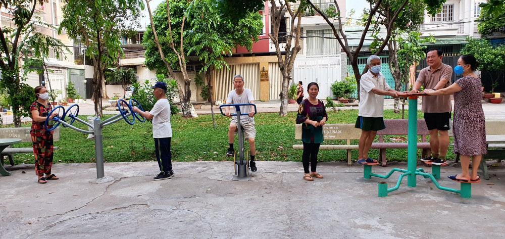 và thành công viên, sân tập thể dục cho người dân trong khu dân cư