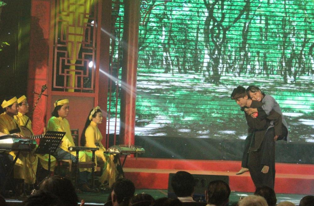 Thí sinh Nguyễn Văn Ta được đánh giá cao bởi việc lựa chọn các vai diễn rất thích hợp với chất giọng của mình, đã xuất sắc về thứ 2 chung cuộc.