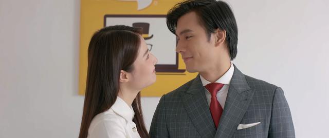 Diễm Mi và Nhan Phúc Vinh trong phim Tình yêu và tham vọng