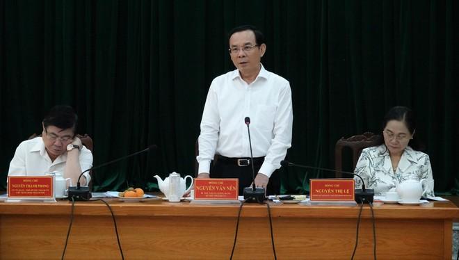 Ngày 26/12, Bí thư Thành ủy TPHCM Nguyễn Văn Nên đã dẫn đầu đoàn công tác về làm việc tại các quận 2, 9, Thủ Đức về quá trình chuyển giao, sáp nhập