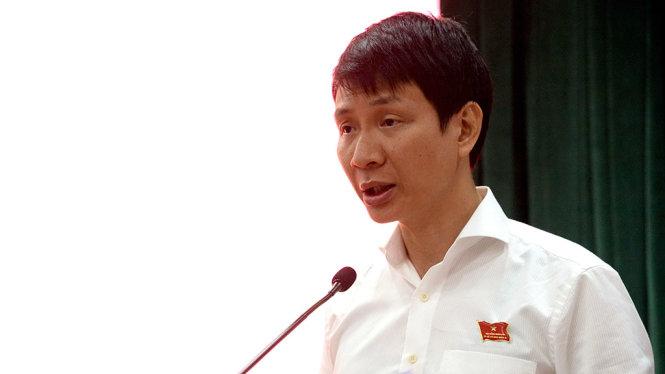 Ông Trương Trung Kiên - Chủ tịch UBND Q.Thủ Đức nêu một số kiến nghị tại hội nghị