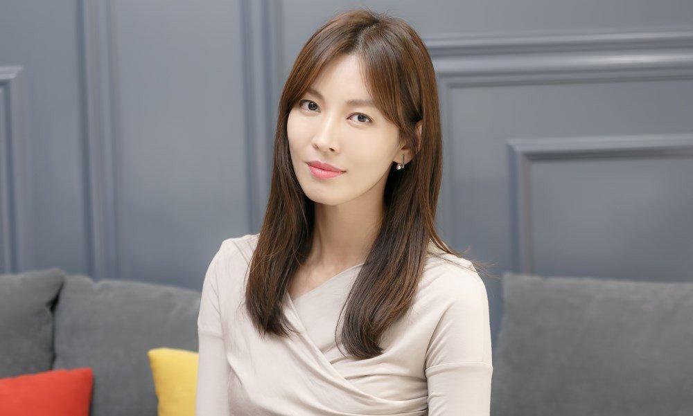 Kể từ khi kết hôn, Kim So Yeon bắt đầu cân đối thời gian giữa việc đóng phim và chăm sóc gia đình. Thay vì mỗi năm đóng 2 tác phẩm như thời còn son rỗi, hiện tại cô chỉ tham gia 1 dự án.