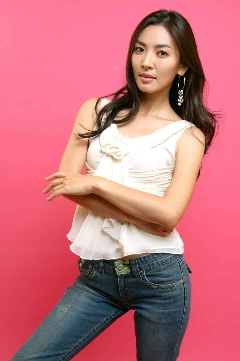 Vẻ ngoài trưởng thành và phong thái lạnh lùng, Kim So Yeon trở thành cái tên chuyên trị dạng vai già dặn, có nội tâm và tính cách phức tạp. Tuy nhiên dưới áp lực dư luận chưa đủ tuổi vị thành niên, nữ diễn viên nhí phải tạm ngừng hoạt động nghệ thuật tập trung hoàn tất việc học, trước khi tái xuất trở lại vào năm 1998.