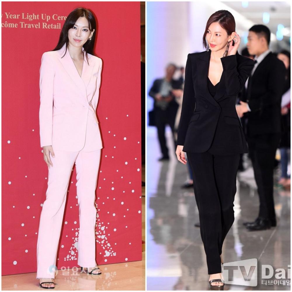 """Kim So Yeon cũng thường xuyên phá cách với những bộ suit phong cách menswear, tôn lê vẻ đẹp thời thượng, đầy uy quyền của cô nàng. Hiện tại, nữ diễn viên cảm thấy hài lòng với những gì mình đang có: """"Giữa sự nổi tiếng và an yên, tôi chọn cho mình việc được sống trong một thế giới riêng ít những lời phán xét""""."""