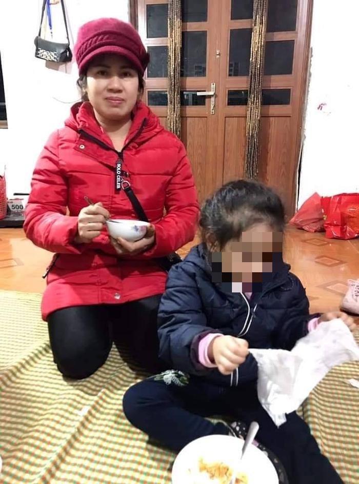 Chị Bích bày tỏ nguyện vọng nhận hai cháu bé làm con nuôi. Ảnh từ Facebook