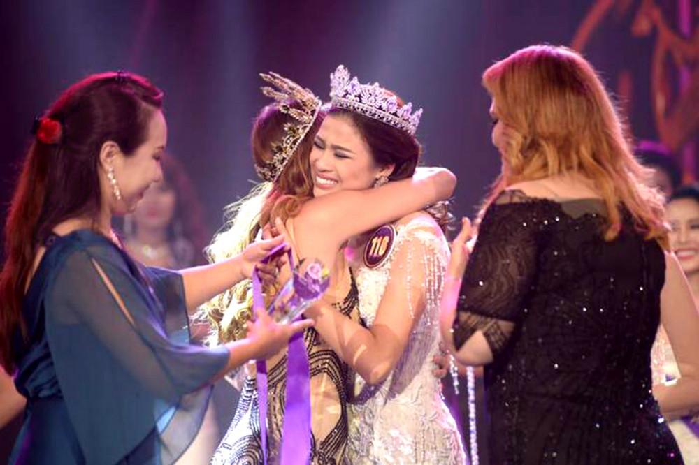 Nguyễn Thị Thành từng bị thu hồi danh hiệu Á khôi 1 (Hoa khôi Du lịch Việt Nam 2017)  vì tám chiếc răng sứ