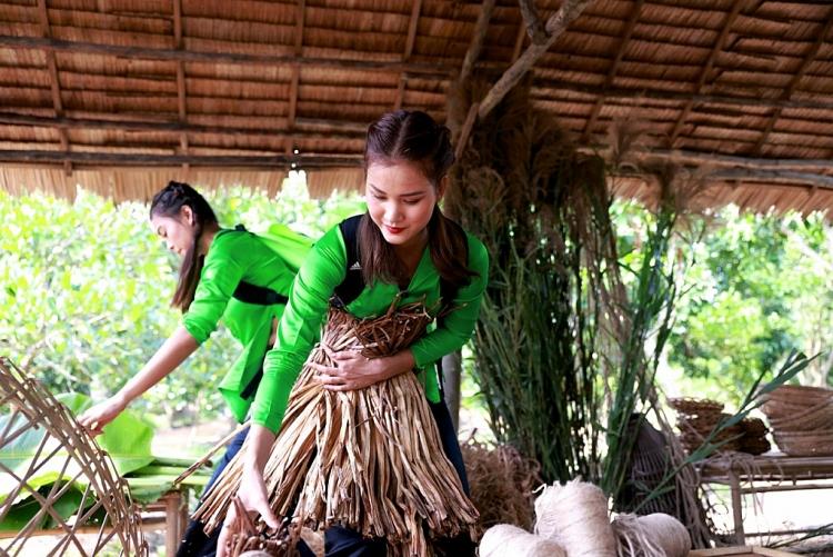 Trí tuệ và sự mạnh mẽ của Hương Ly trong Đi Việt Nam Đi khiến người xem có cái nhìn tích cực hơn về cô
