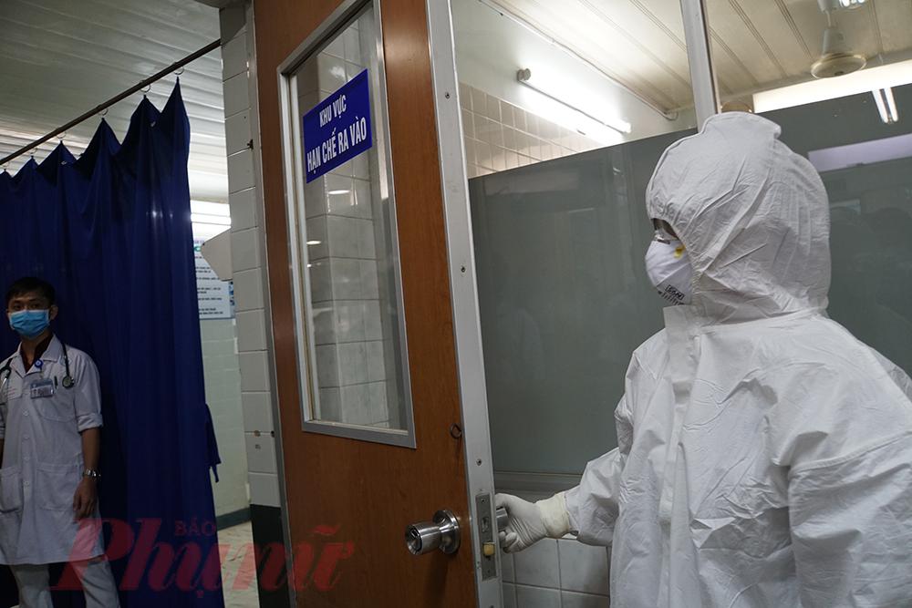 Diễn tập cấp cứu bệnh nhân mắc COVID-19 tại Bệnh viện Thống Nhất