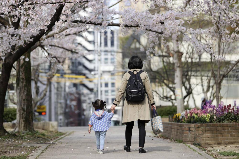 Áp lực đại dịch khiến số vụ bạo lực gia đình tăng mạnh tại Nhật Bản.