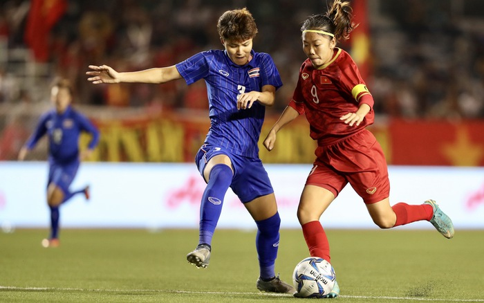 Huỳnh Như thi đấu lăn xả, hết mình trước kình địch Thái Lan