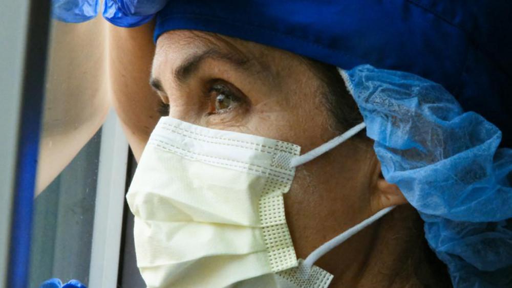 Hiện tại, số người mắc COVID-19 ở Anh nhiều hơn 50% so với cao điểm tháng 4/2020, nhấn mạnh áp lực mà các nhân viên y tế đang đối mặt - Ảnh: Getty Images