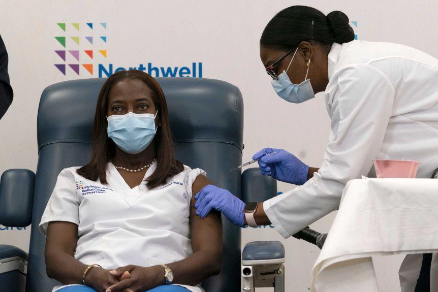Hơn 800.000 người dân Đức được tiêm chủng vắc-xin COVID-19.
