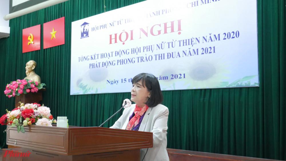 Bà Nguyễn Thị Huệ - chủ tịch Hội phát động thi đua năm 2021
