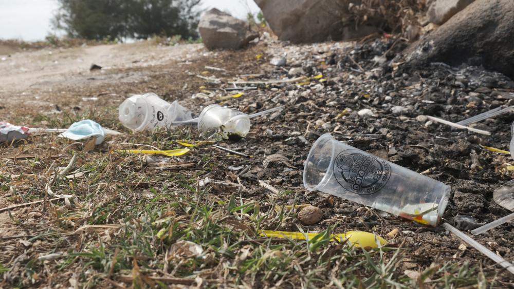 Rác nhựa khó phân hủy