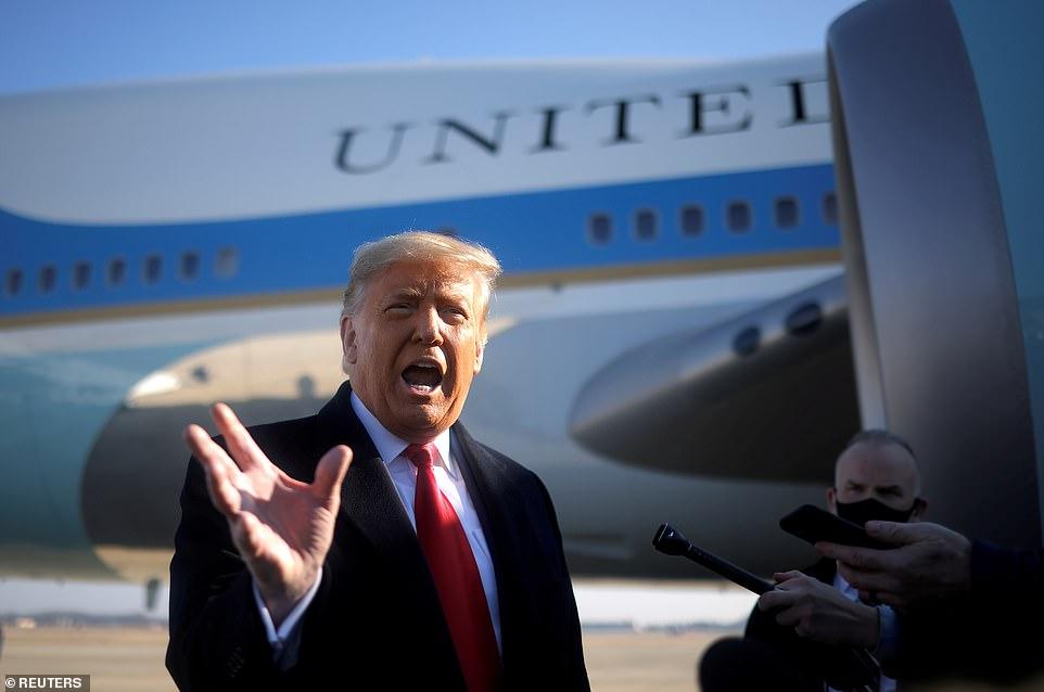 Trong khi ông Trump (ảnh ngày 12/1) dự kiến sẽ rời Nhà Trắng vào sáng sớm thứ Tư, ông có thể tiếp tục ban hành lệnh ân xá cho đến trưa ngày nhậm chức 20/1 của Tổng thống đắc cử Biden- Ảnh: Reuters