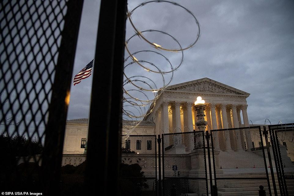 Thủ đô Washington im ắng trước lễ nhậm chức của Tổng thống đắc cử Joe Biden – Ảnh: PA