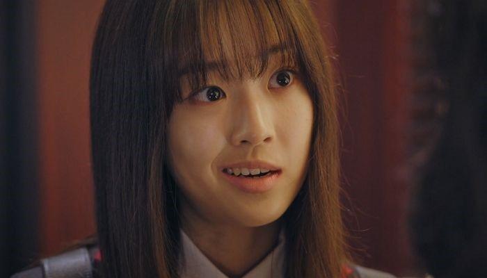 Ánh mắt sắc sảo của Choi Ye Bin trong phim.