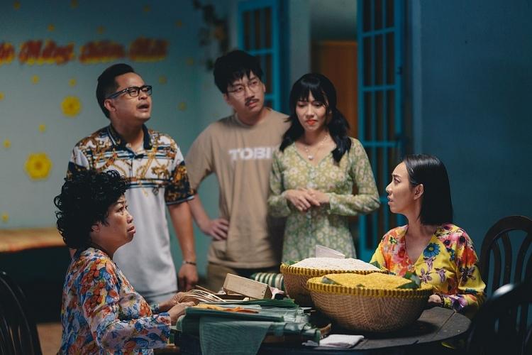 Tết đến rồi về nhà thôi của Thu Trang lên sóng cách đây không lâu, nhận được sự yêu thích nồng nhiệt của khán giả