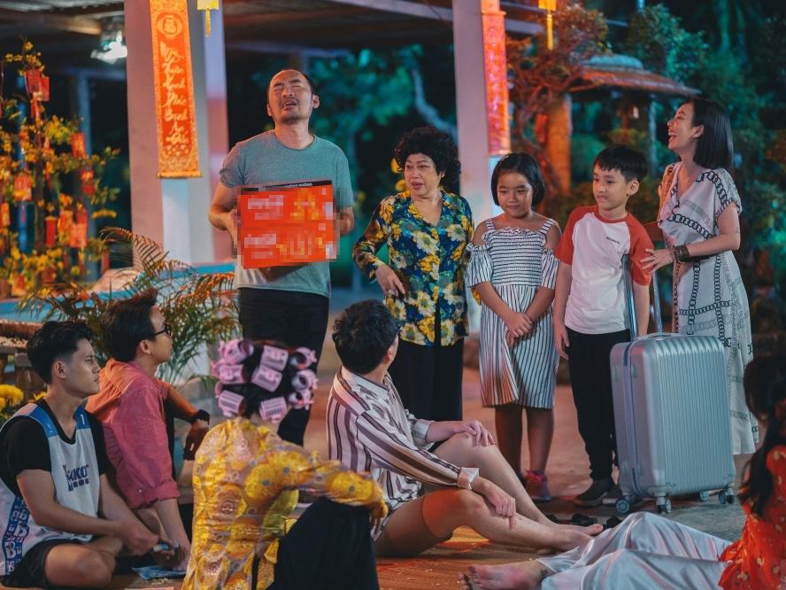 Sản phẩm của nhà tài trợ xuất hiện khéo léo trong phim của Thu Trang
