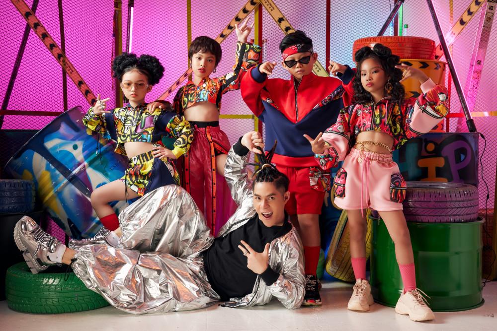 Ngoài sự tham gia của dàn mẫu nhí, Rap - HipHop Kid Fashion Show dự kiến sẽ còn có những khách mời đặc biệt gồm người mẫu và ca sĩ nổi tiếng.