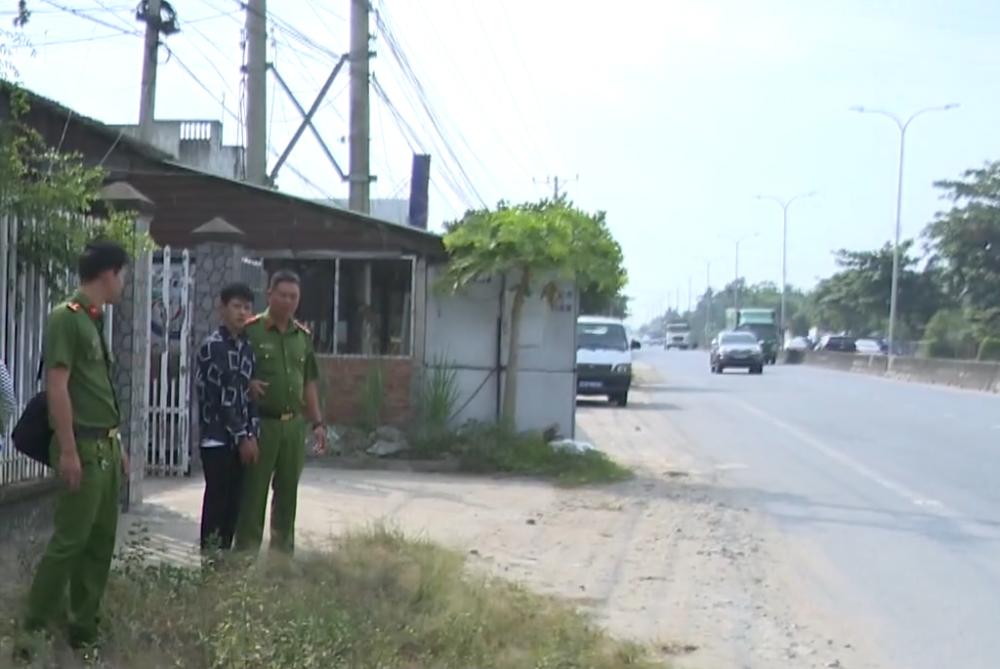 Cơ quan chức năng điều tra hiện trường vụ cướp của nghi phạm Nguyễn Trọng Nhân