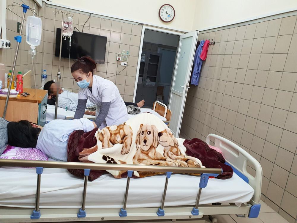 Nam sinh tại TP.Hà Nội nhập viện sau hai năm hít bóng cười