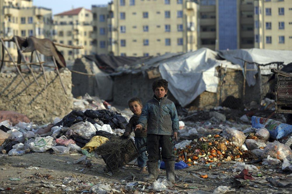 Hàng triệu trẻ em Afghanistan có nguy cơ chết đói vì những cuộc xung đột và dịch bệnh kéo dài.