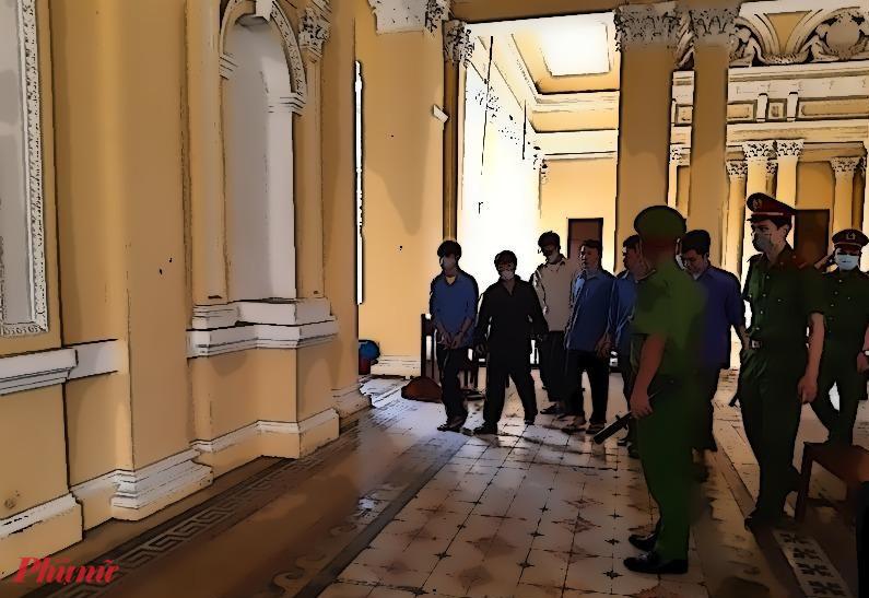 Đồng phạm của Tôn Nữ Thị Huyền được dẫn giải vào phòng xử. Họ cũng từng thông qua Huyền để bán thận.