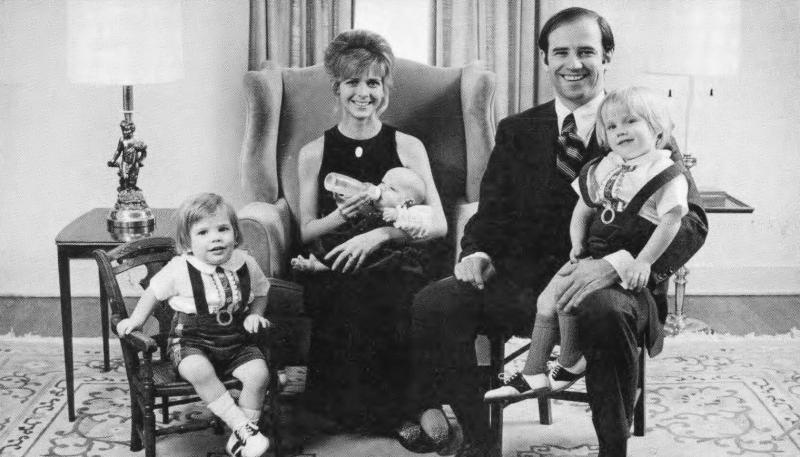 Gia đình hạnh phúc của Joe và Neilia Biden