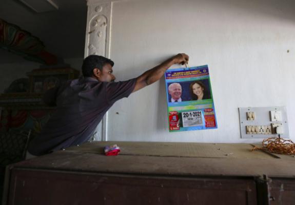 Áp phích của Harris từ lễ kỷ niệm tháng 11 vẫn tô điểm cho các bức tường trong làng và nhiều người hy vọng bà sẽ lên làm tổng thống vào năm 2024. Tổng thống đắc cử Joe Biden đã đặt ra những câu hỏi về việc liệu ông sẽ tái đắc cử hay nghỉ hưu.
