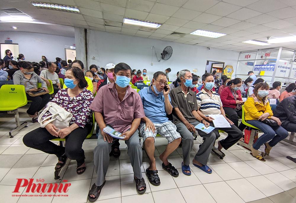 Khám chữa bệnh tại BV nhân dân Gia Định những ngày sau khi áp dụng quy định thông tuyến tỉnh