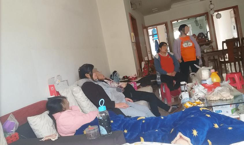 Những người phụ nữ làm nghề mang thai hộ. Ảnh Sohu