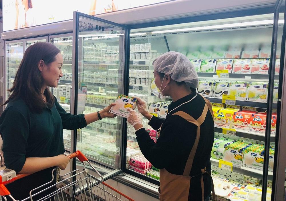 Sau sữa chua, nước giải khát thì sữa hạt và sữa đặc là những sản phẩm được Vinamilk đẩy mạnh để khai thác thị trường quy mô tỷ dân - Trung Quốc. Ảnh: VNM