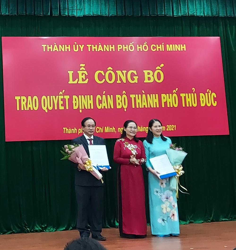 Chủ tịch HĐND TPHCM Nguyễn Thị Lệ trao quyết định công nhận chức danh lãnh đạo HĐND TP. Thủ Đức.