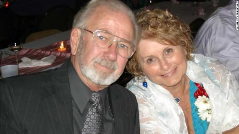 ông Dick Meek và vợ Shirley Meek.