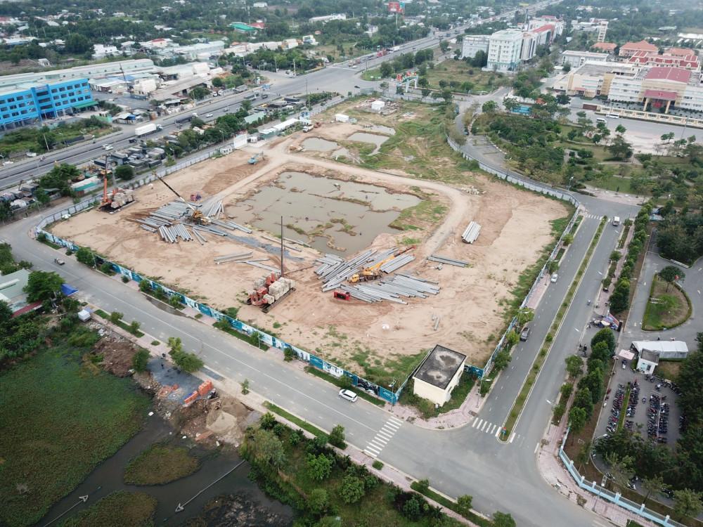 Sau hơn 1 năm rao bán dự án West Gate vẫn là bãi đất trống, chưa triển khai gì đồng nghĩa là chưa được phép huy động vốn