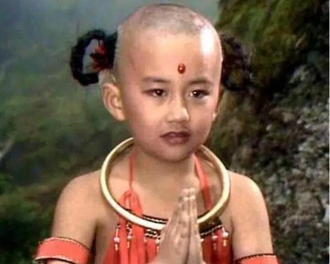 Triệu Hân Bồi trong tạo hình của Hồng Hài Nhi