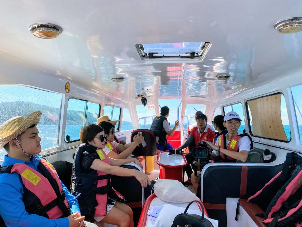 Khách hàng đang trải nghiệm một tour du lịch tại TP Phú Quốc, tỉnh Kiên Giang. Ảnh: Quốc Thái