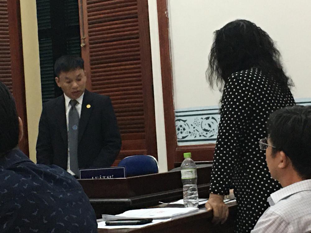 Luật sư Ngô Đình Hoàng là đại diện bảo vệ quyền lợi cho các bị đơn