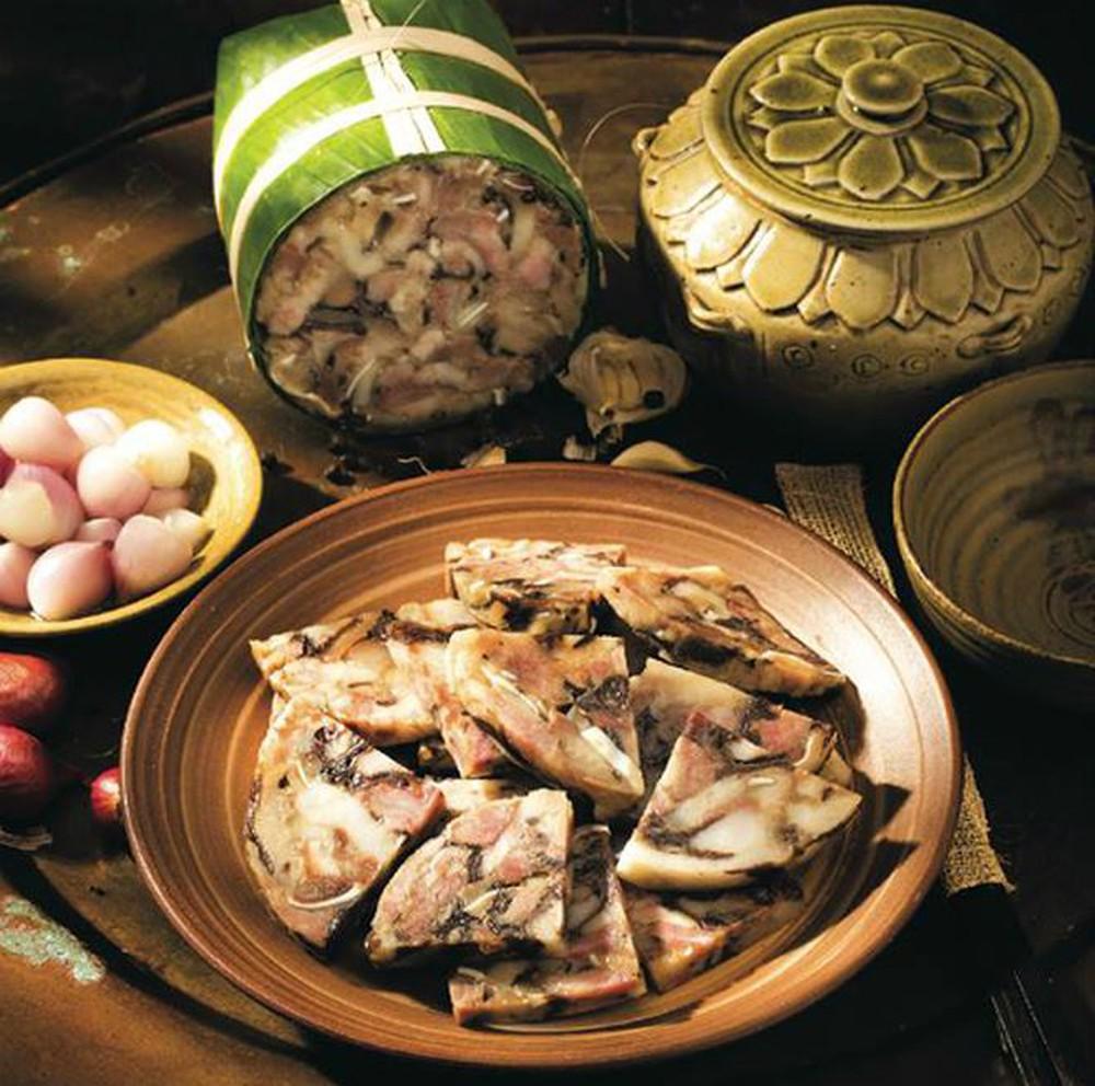 Má bao giờ cũng làm chã thủ vào đêm giao thừa nhưng sáng mùng Một, món ăn này sẽ hiện diện trên mâm như lời ước năm mới yên vui.