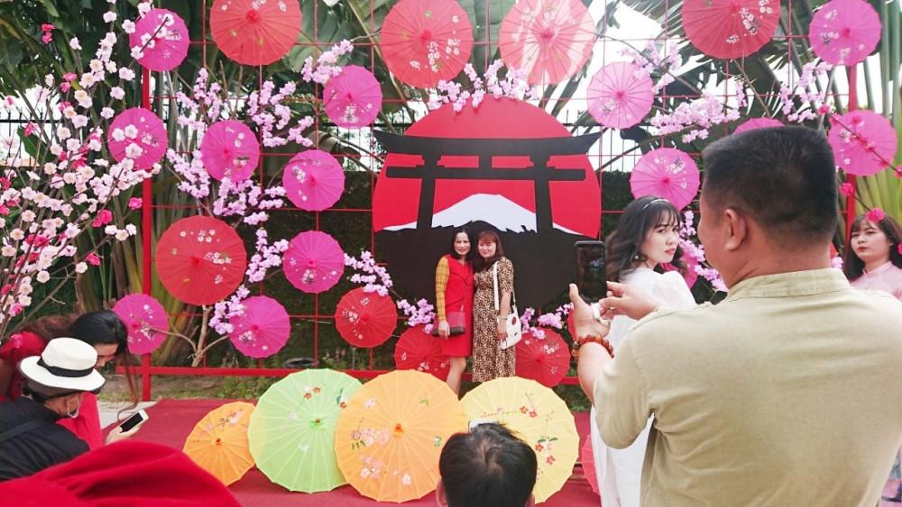 Khu phố Nhật Bản được nhiều khách ưa chuộng. Ảnh: phim trường The Windmill