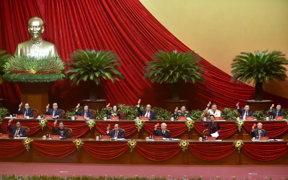 Đại hội đã biểu quyết tán thành, nhất trí cao thông qua Chương trình phiên họp trù bị, Quy chế làm việc của Đại hội, Chương trình làm việc và Quy chế bầu cử tại Đại hội đại biểu toàn quốc lần thứ XIII của Đảng.