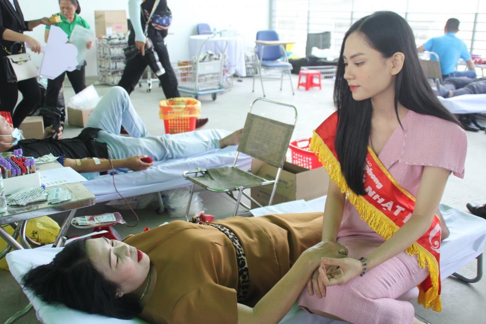 Người đẹp Nhân ái Huỳnh Nguyễn Phương Mai tại chương trình