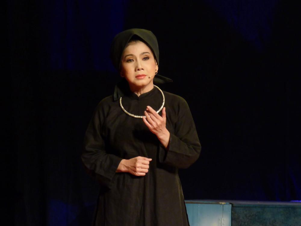 Nữ nghệ sĩ cho rằng sự đổi mới luôn cần để cải lương tiếp tục phát triển