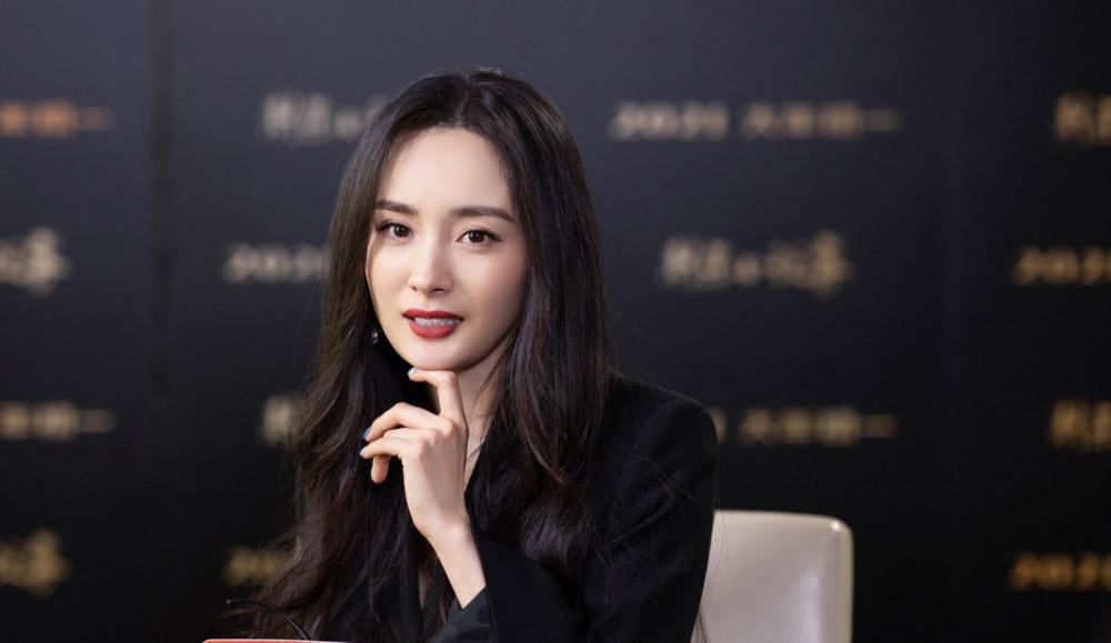 Dương Mịch không đồng ý dùng tiêu chuẩn da trắng, dáng mỏng để đánh giá vẻ đẹp của phụ nữ